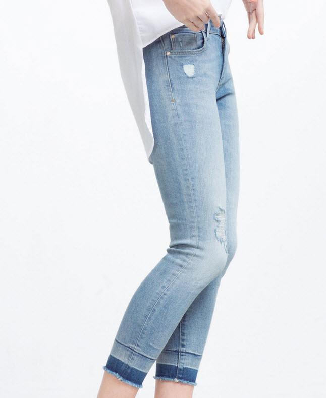 Mid-Rise Frayed Hem Jeans