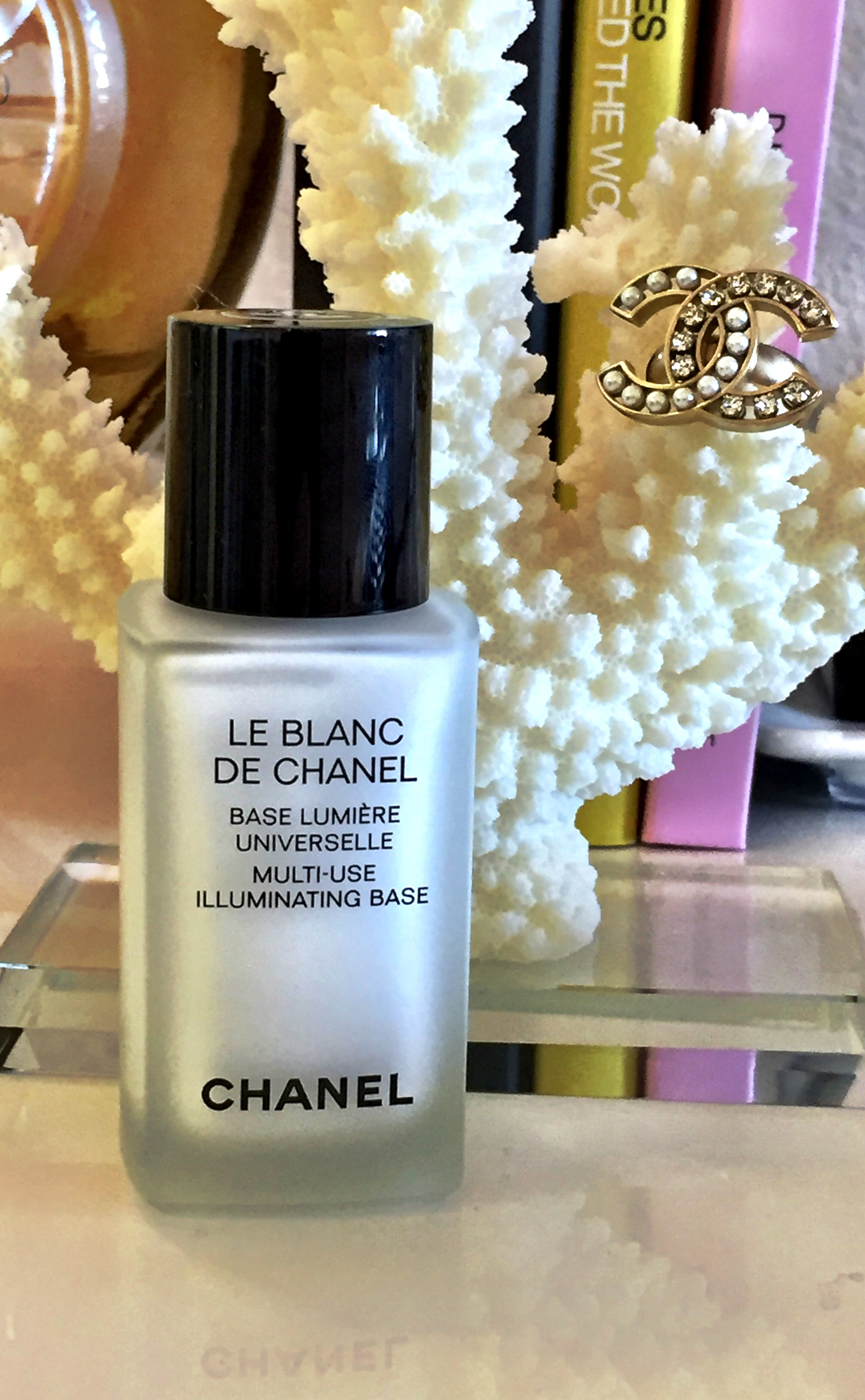 DE CHANEL Illuminating base
